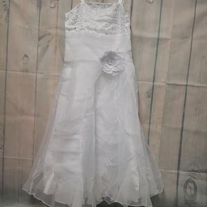 New iEFieL white formal party dress size 6